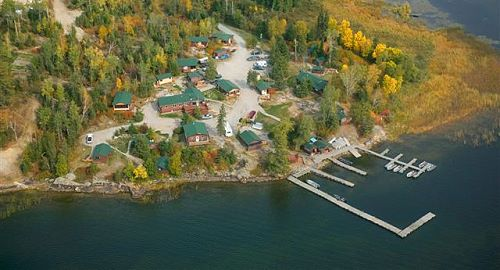 Ontario fishing resorts eagle lake lodging accommodations for Ontario fishing lodges and resorts